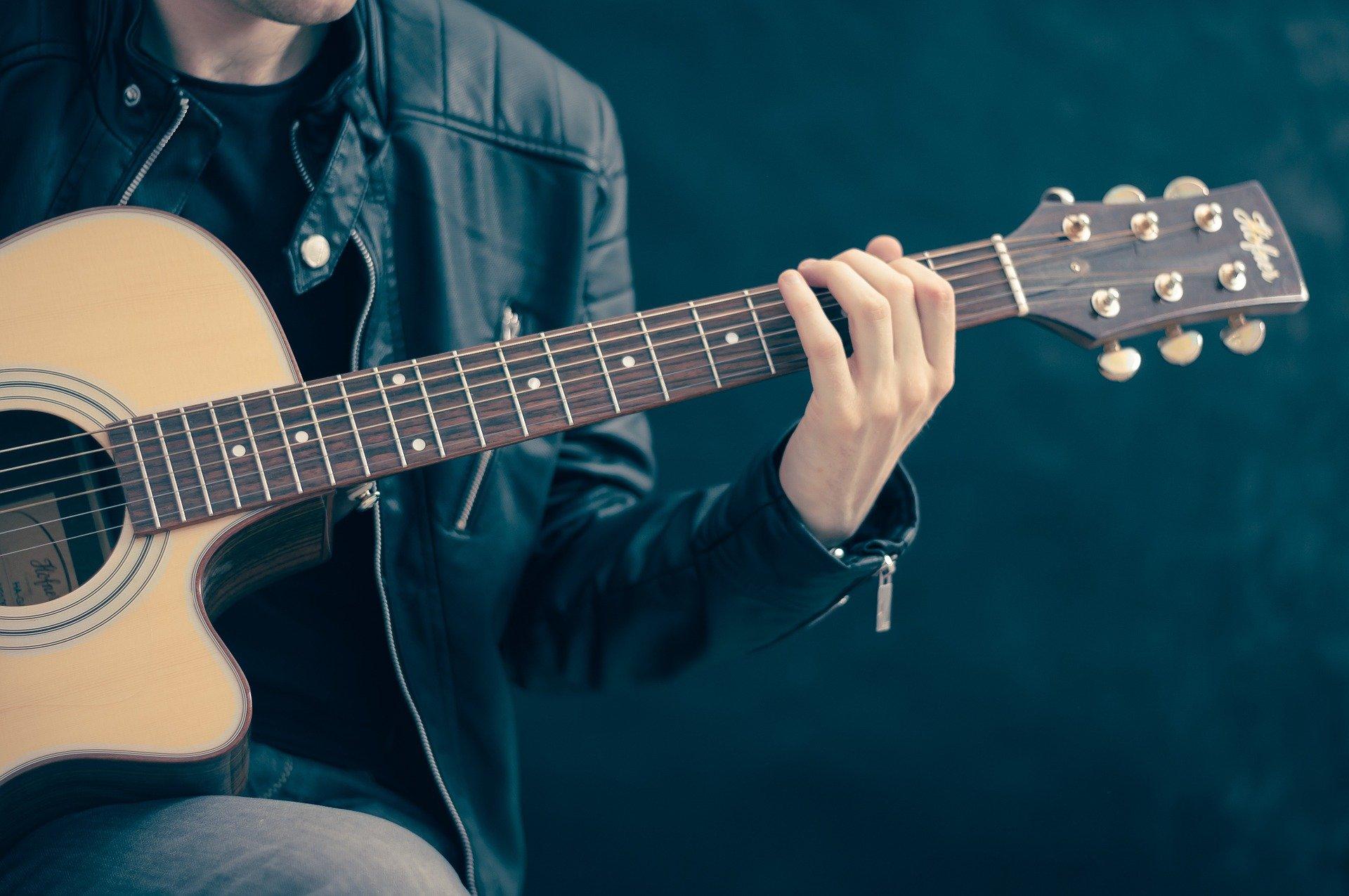 渡辺翔太,ピアノ,ギター
